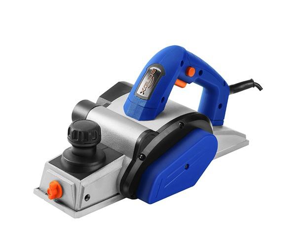 電刨木工刨